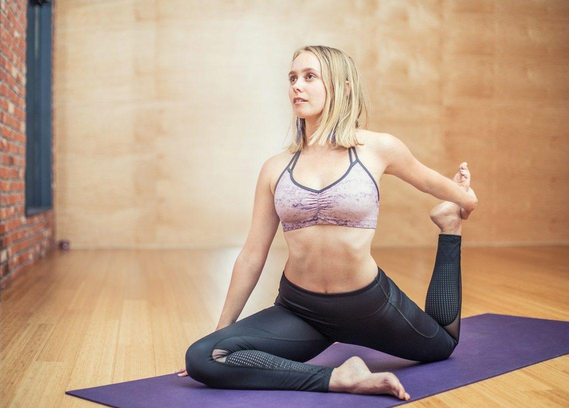 Йога для всех или как зарядить тело энергией - 5 упражнений