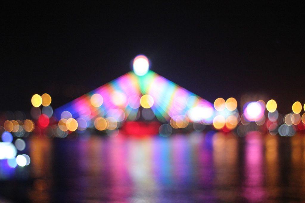 Храм Као Дай ночной снимок
